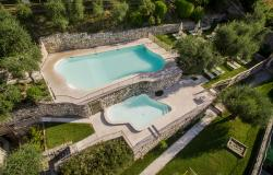 Residence with swimming pool on Lake Garda: the added value